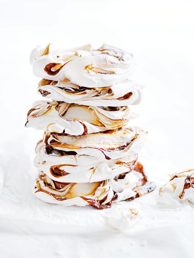 dh78_salted_caramel_meringues