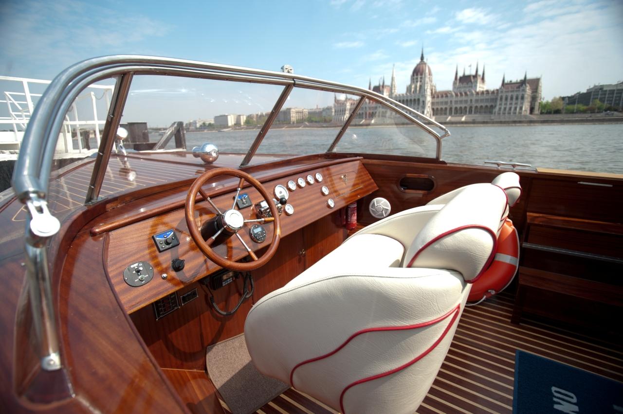dunarama-speed-boat