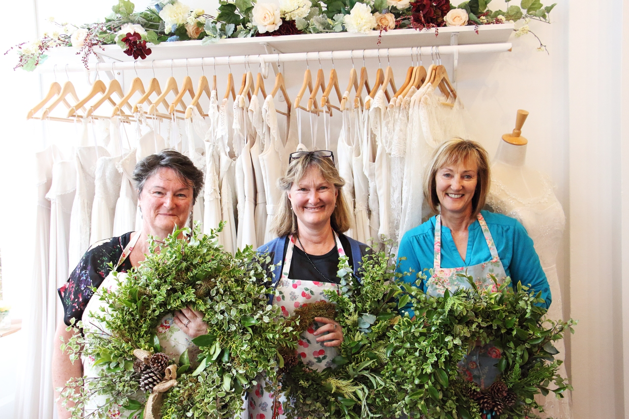 wreath-workshop-ladies
