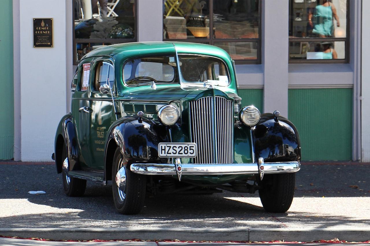 Art Deco Car.jpg